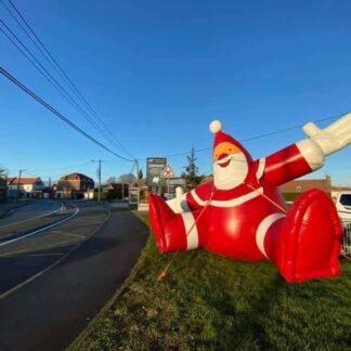 Père Noel gonflable géant